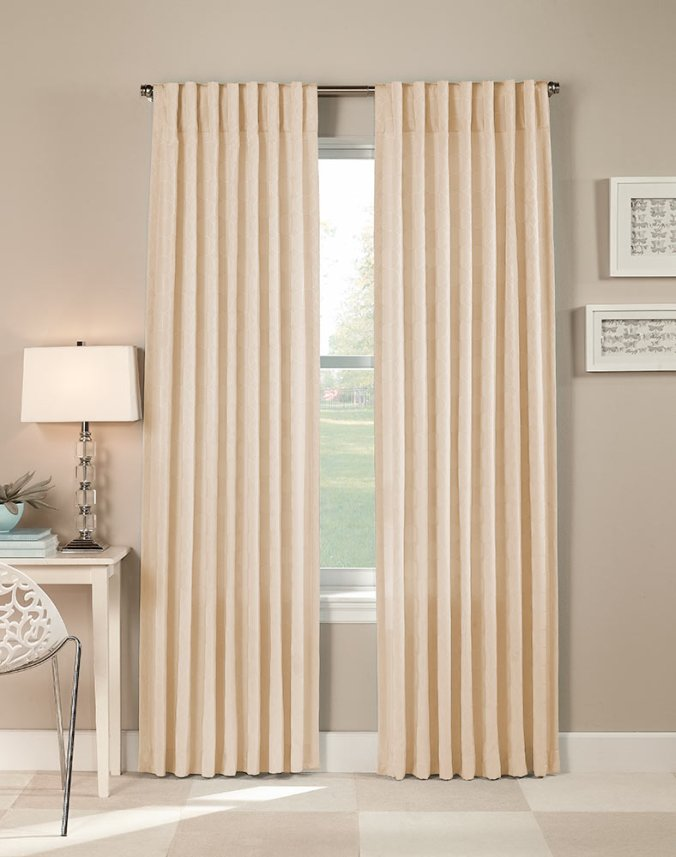 Pleated curtain rod concealed