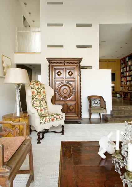 Living room | thumbprinted